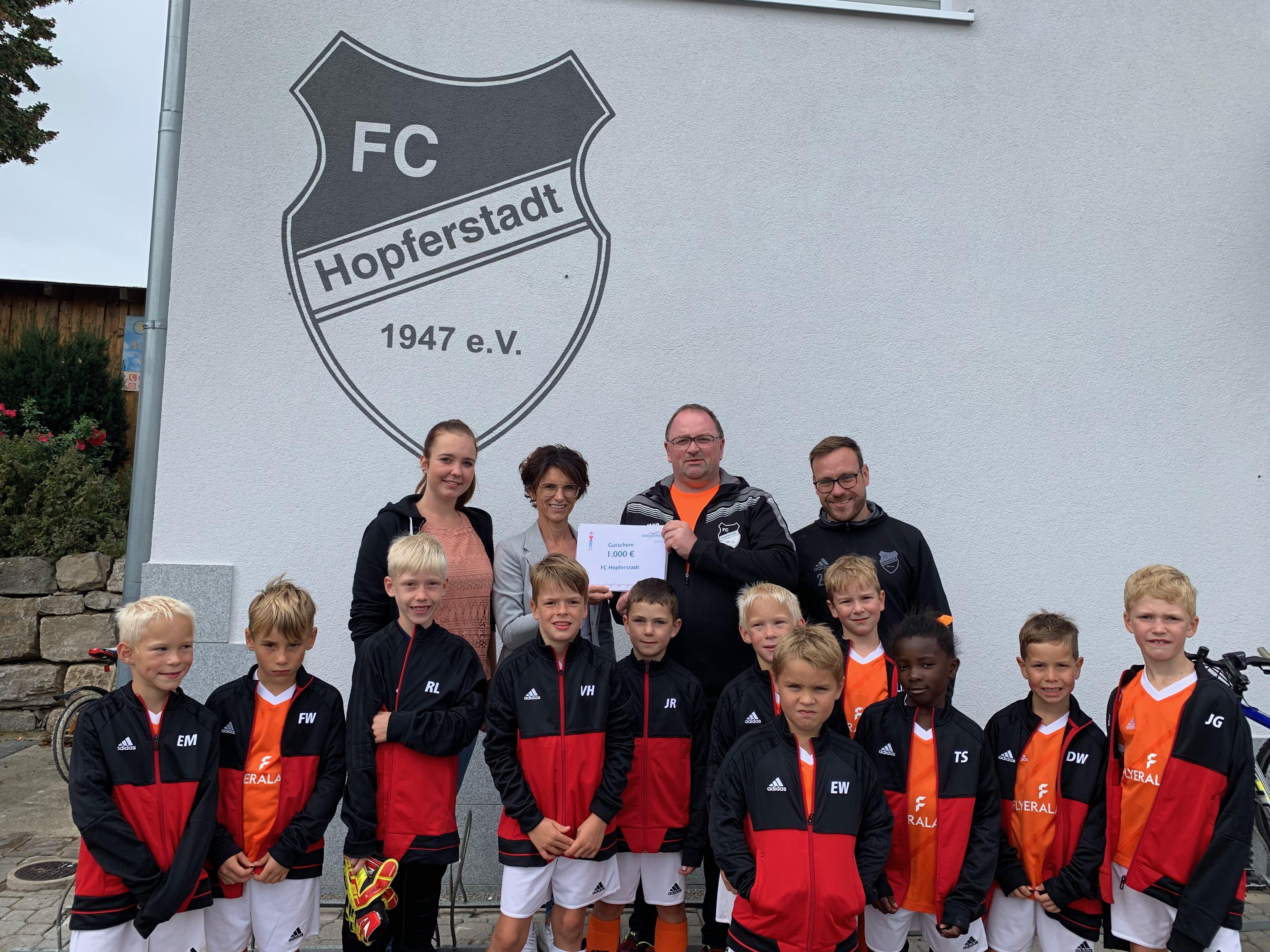 """""""Süße Unterstützung"""" für die Juniorenabteilung vom FC Hopferstadt"""