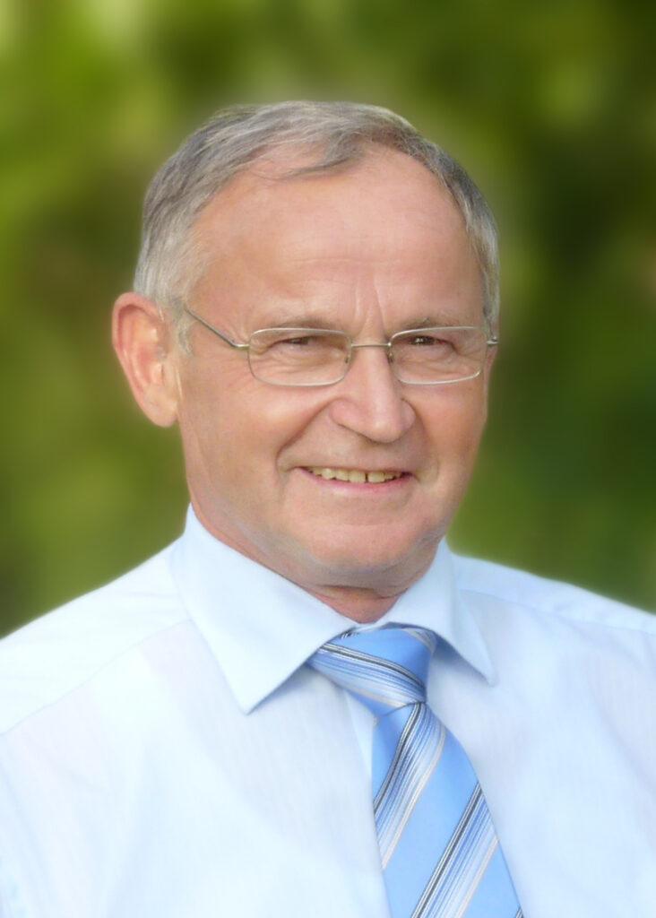 Der FC Hopferstadt trauert um seinen Ehrenvorsitzenden Herrn Josef Wiehl